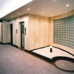 エレベーターホール(2)